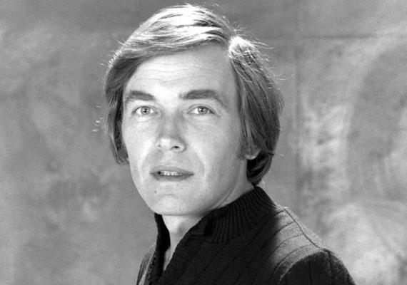 Kozák Andrást 1971-ben és 1978-ban Jászai Mari-díjjal tüntették ki, 1996-ban Kossuth-díjban részesült.