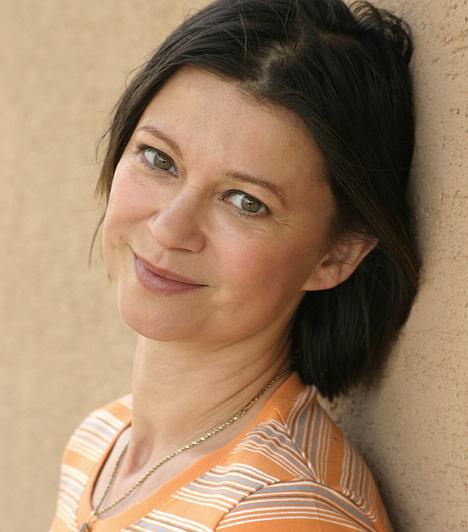 Görbe Nóra - Linda  Veszprémi Linda karakterét kifejezetten Görbe Nórára írták, aki a szerep kedvéért karatézni is megtanult.  Kapcsolódó sztárlexikon: Ilyen volt, ilyen lett: Görbe Nóra, a Linda sztárja »