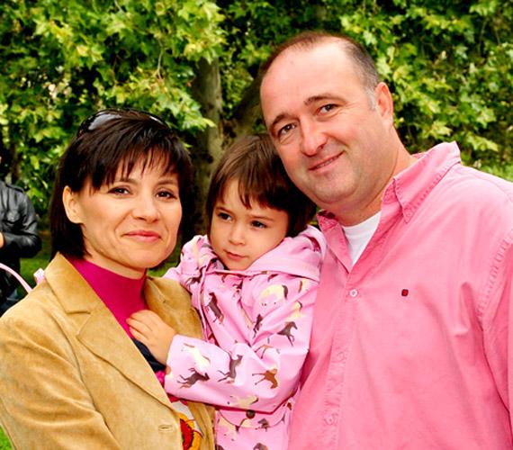 Férjével, Faragó Attilával egy közös gyermekük van: a kis Luca a család szeme fénye.