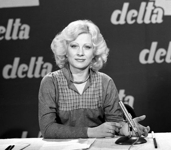 1964. február 29-én került először képernyőre bemondóként. Habár neve elsősorban a Delta című tudományos híradóval forrt össze, az elmúlt évtizedek során több tucatnyi más műsor háziasszonya is volt: a Gazdit keresünk, a Juli suli vagy a Szeszélyes évszakok.
