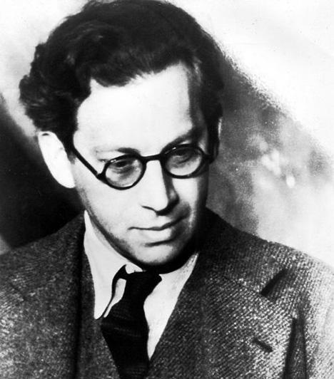 Korda SándorKorda Sándor a Tanácsköztársaság bukása után Hollywoodban a United Artists rendezője lett, legnagyobb sikereit azonban Nagy-Britanniában érte el. Testvéreivel Londonban telepedett le és itt alapította meg 1932-ben a London Films filmstúdiót és több kisebb stúdiót. 1942-ben ő lett az első filmrendező, akit lovaggá ütöttek.