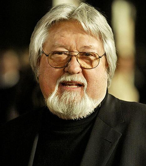 Kovács LászlóKovács László operatőr Zsigmond Vilmossal szökött 1956 után Amerikába. Barátja hívására költözött 1958-ban Hollywoodba, ahol egy év múlva a Szelíd motorosok című film hozta meg számára a sikert. 2002-ben meghívták a Velencei Nemzetközi Filmfesztivál zsűrijébe is.