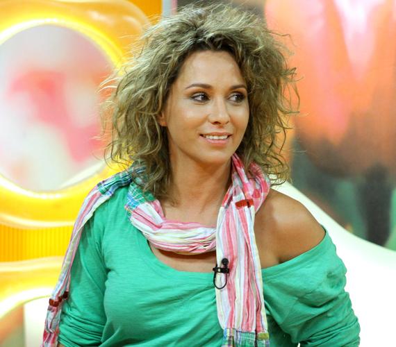 Karsai Zita november óta él Németországban. DJ Bobo vette őt szárnyai alá, jelenleg pedig főszerepet kapott egy belga reklámfilmben.