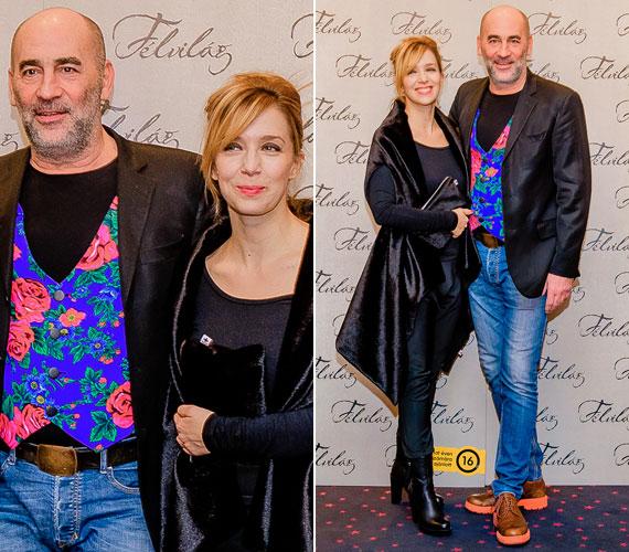 A gazdag bútorgyárost, Max Schmidtet megformáló Kulka János tarka, virágokkal díszített mellényében még az egyszínű ruhákba öltözött női szereplőkről is elvonta a figyelmet. Köztudott, hogy a színész szereti az elegáns és különleges ruhadarabokat.