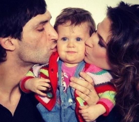 A kis Luca természetes módon, apás szüléssel jött a világra.