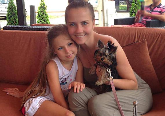 Bálint Antónia 1991-ben megnyerte a Miss Hungary versenyt, de aktfotói miatt utólag megfosztották címétől. Hat évébe került, mire a bíróság kimondta, hogy jogtalan volt a trónfosztás. A többnyire csak Babikának becézett kislánya, Lilien Antónia 2007 augusztusában jött világra, vagyis már hét éves.