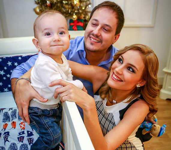 A Barátok közt Kingája, Som-Balogh Edina és férje, Som Krisztián rendszeresen közzétesz fotókat a május elején született Noelről.