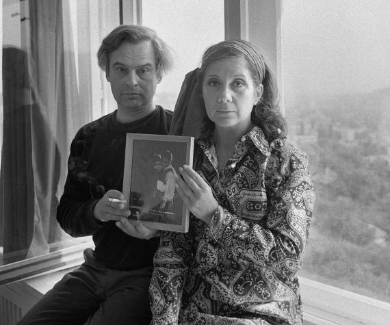Ruttkai Éva 33, Latinovits Zoltán pedig 29 éves volt, amikor Pavel Kohout Ilyen nagy szerelem című drámájának próbáin 1960-ban egymásba szerettek a miskolci színházban. Szenvedélyes kapcsolatuk 16 évig, Latinovits tragikus haláláig tartott.