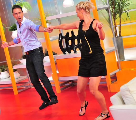 A kollégákból alkalmi táncpartnerek lettek az RTL Klub stúdiójában.