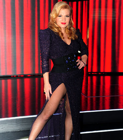 Azok a combok  A gyönyörű műsorvezetőnő nagyon sokat fogyott, miután 2006 júliusában életet adott kislányának, Pankának. Talán nem véletlen, hogy több alkalommal is combjáig felvágott szoknyával bűvölte el a tévénézőket.  Kapcsolodó cikk: Ezt látnod kell! Liptai Claudia 37 évesen is bátran villantja szexi lábait »
