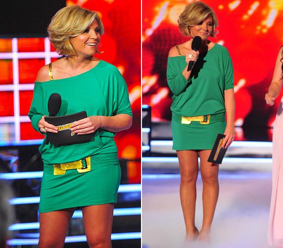 2012-ben, a Megasztár hatodik szériájában is színpadra lépett egy zöld, trükkös szabású miniruhában. Az arany csattal és pánttal feldobott darab egyszerre volt vagány, dögös és fiatalos.