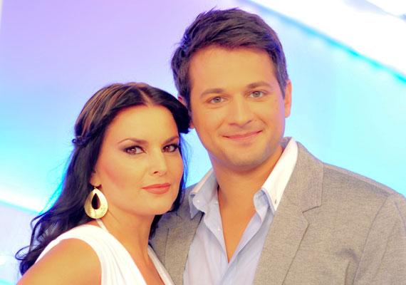 Gesztesi Máté és nála 11 évvel idősebb szerelme, Magdi három évig alkottak egy párt, 2013 júliusában el is jegyezték egymást. Az esküvőre azonban nem került sor, a 25 éves színész és menyasszonya idén júliusban szakítottak.
