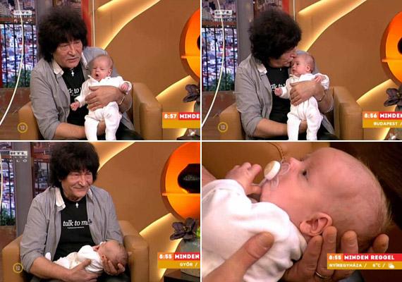 Závodi János, a Piramis Plusz zenekar gitárosa 66 évesen nézett apai örömök elé. Hathetes kisfiát az RTL Klub hétfő reggeli műsorában mutatta meg először a kamerák előtt.