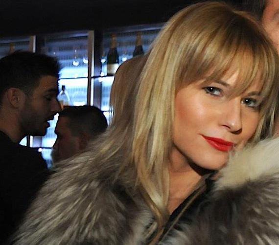 Mádai Vivien a Facebook-oldalán látható képen ismerősei szerint olyan szép, mint a modell, Claudia Schiffer.