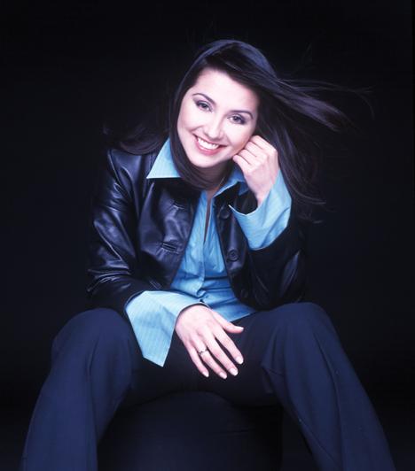 Bayer Friderika                         Az 1971-es születésű énekesnő legnagyobb eredményét 1994-ben érte el, miután megnyerte a Táncdalfesztivált, a dublini Eurovíziós Dalfesztiválon a negyedik helyen végzett. A Feltárcsáztad a szívemet című száma hazánk egyik legnagyobb rádiós kedvence lett 1998-ban.