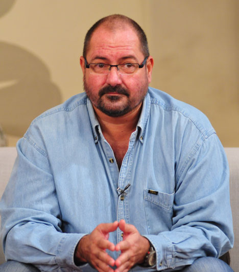 Nádas GyörgyNádas György 1982-ben nyerte meg a Humorfesztivált Markos Györggyel együtt. Ezt követően szerződtette le őket a Mikroszkóp Színpad, ahol csatlakozott hozzájuk Boncz Géza.