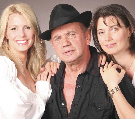A 74 éves színészlegenda, Koncz Gábor két gyönyörű lánnyal büszkélkedhet, az 1971-es születésű Tekla nemzetközi vízisíbíróként dolgozik, illetve egy kereskedelmi kft. ügyvezető igazgatója, míg 26 éves Regina lánya modellként arat szép sikereket.