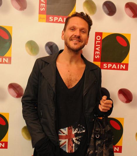 Lakatos MárkLakatos Márk stylist és jelmeztervező, a TV2 2003-as tehetségkutató műsora, a Megasztár tette igazán ismertté. 2011-ben megjelent első, divatról szóló könyve. Homoszexualitását nyíltan vállalja.
