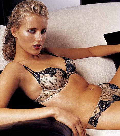 Mészáros Diána                         A budapesti születésű lány mindig is modell szeretett volna lenni. Ezért döntött úgy, hogy 17 évesen benevez egy fővárosi modellversenyre, amit azon nyomban meg is nyert. Diána szerepelt már a Vogue olasz kiadásának címlapján, de a Versace, a Sportmax, a Samsonite és a Sergio Rossi reklámjaiban is feltűnt.