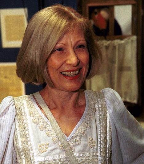 Kudlik Júlia  A népszerű bemondó-műsorvezetőnő országos ismertségét a Deltának köszönhette, amiben több mint harminc éven keresztül láthattuk, de emellett ő volt a Juli suli és a Gazdit keresünk szerkesztője, műsorvezetője is.