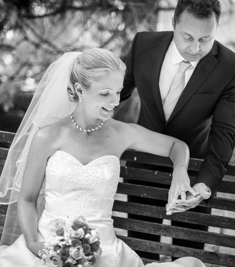 Magyar RózsaAz énekesnő, aki a Muzsika Tv műsorvezetője is, 2015 júniusában házasodott össze kislánya édesapjával, Péterrel. A szertartások után megkeresztelték kislányukat, Petrát, aki 2014 júliusában jött világra.