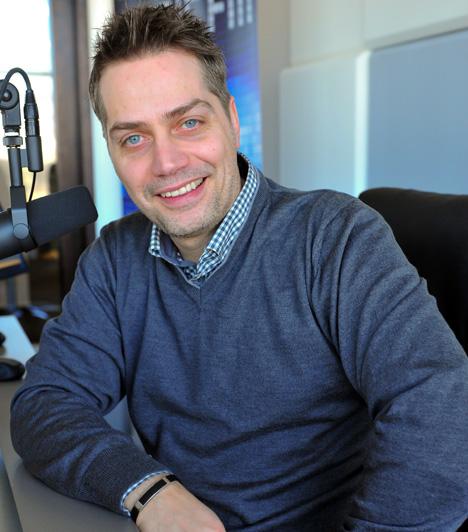 Harsányi leventeRádiós pályafutását 1998-ban kezdte a Rádió 1-nél a Telefonbetyár című műsorával. Ezt követően 2001 és 2003 között a Roxy Rádióban, 2003 és 2005 között a Radio Deejay-ben vezetett reggeli műsort. 2006 és 2012. február 3-a között a Rádió 1-nél volt reggeli műsora, a Kukorival, Hudák Anitával, Peller Marianal és Hepi Endrével. 2012 márciusától az induló Music FM-en arcaként tűnt fel.