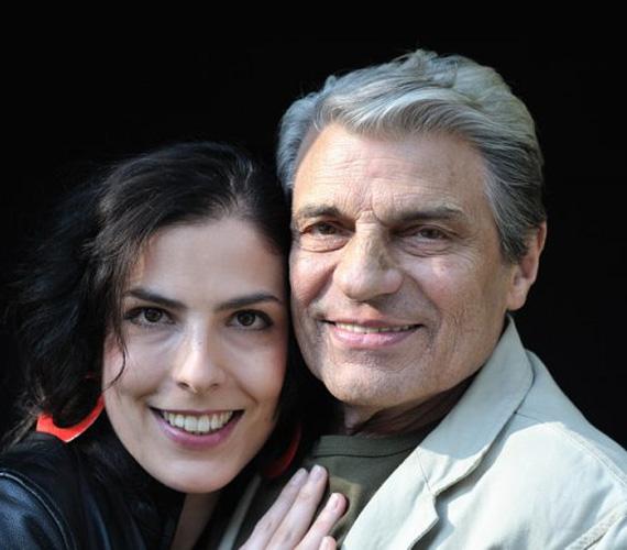 A Jászai- és Kossuth-díjas, idén szeptemberben elhunyt Sztankay István lánya, Sztankay Orsolya eredetileg jogi pályára készült, pontosan a buktatók miatt, amiket édesapja révén ismert. Ám az egyetem alatt rájött, hogy mégiscsak a színészet a neki való. 2002-ben végezte el a Színművészeti Főiskolát, azóta több társulatnál is megfordult, 2010 óta a zalaegerszegi Hevesi Sándor Színház társulatának a tagja, de felbukkant a Jóban Rosszban sorozatban Pongrácz Brigitta szerepében is.