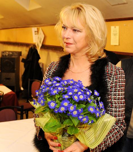 Nyertes Zsuzsa  Az 1958-ban született színésznő gyakran szerepel a televízióban, a színpadon pedig szinte minden műfajban bizonyította már tehetségét, legyen szó kabaréról, musicalről vagy komédiáról. Zsuzsa lánya 1993-ban jött a világra.