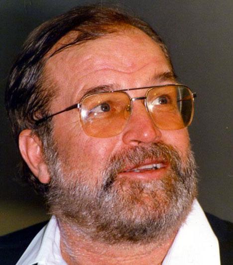 Bujtor István (1942-2009)  Ötvös Csöpi rendőrnyomozó megformálója 67 évesen, 2009. szeptember 25-én hunyt el, az orvosok a kórházban két hónapig küzdöttek az életéért. Ő volt a legtöbbször Bud Spencer szinkronhangja, de ő adta a magyar hangját a Megint 48 órában Nick Nolte-nak vagy a Gyilkos bolygóban Sean Connerynek is.