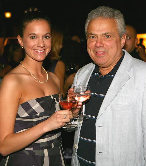 Rózsa György  A Kapcsoltam! című műsor feledhetetlen műsorvezetője, Rózsa György egyetlen lány édesapja. Gyermeke szeretett, ám időközben elhunyt feleségétől, Kanyó Évától született. A sudár leány a Balettintézet növendékeként végzett, tánctudását pedig édesapjával karöltve a Szombat esti láz 2008-as műsorában is megmutatta.