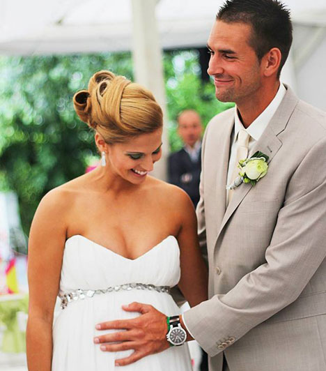 Kucsera GáborA többszörös világ- és Európa-bajnok kajakos első gyermeke, Bence 3710 grammal és 57 centivel 2013. október 24-én látta meg a napvilágot. Gyermeke anyját, a válogatott kézilabdás Tápai Szabinát nagy pocakkal vette feleségül 2013 júliusában.