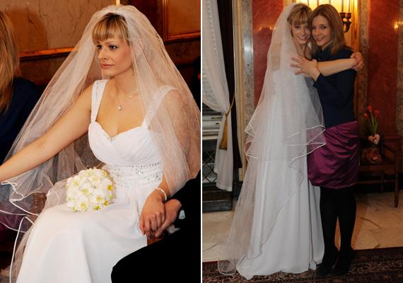 Peller Mariann hófehér ruhában és földig érő fátyolban mondta ki meghatódva a boldogító igent. A télen tartott esküvőn nővére, Peller Anna volt a tanúja.