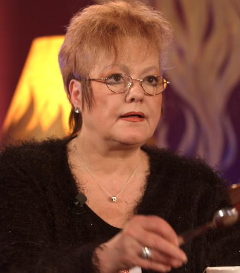 Cserháti Zsuzsa (1948-2003)Magyarország egyik legjobb hangú énekesnőjének fénykora a hetvenes évekre esett, majd mintegy másfél évtizedes kihagyás után a kilencvenes évek egyik legemlékezetesebb visszatérését sikerült megvalósítania.