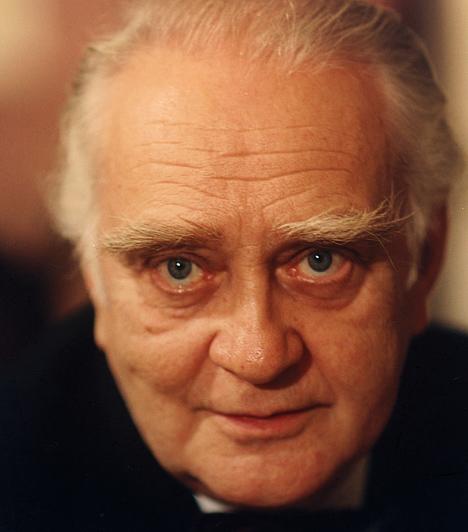 Körmendi János (1927-2008)A Kossuth-díjas színművész elsősorban komikus- és szatirikus szerepekben kamatoztatta egyedülálló tehetségét, de íróként is sikeresen bemutatkozott.