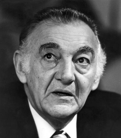 Sinkovits Imre (1928-2001)  A Nemzet Színészének egyik felejthetetlen alakítását A tizedes meg a többiek című filmben láthattuk, emellett évtizedeken át volt meghatározó tagja a Nemzeti Színház társulatának.