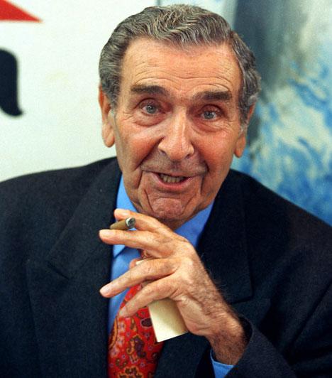 Bárdy György (1921-2013)92. születésnapja után egy nappal, május 27-én hunyt el a Jászai Mari-díjas, kiváló és érdemes művész. Ő játszotta Jumurzdsákot az Egri csillagokban, az 1954-es labdarúgó-világbajnokság filmhíradós tudósításai az ő hangján szólaltak meg.Kapcsolódó cikk:Meghalt az Egri csillagok Jumurdzsákja »