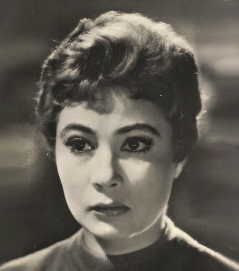 Ferrari Violetta (1930-2014)Életének 84. évében január 23-án távozott az élők sorából az ötvenes évek egyik legnépszerűbb hazai színésznője, aki külföldön is sikeres volt. Bajor Gizi őt tekintette utódjának, Tolnay Klári zseninek nevezte.Kapcsolódó cikk:A világhírű magyar színésznőt gyászolja a szakma »