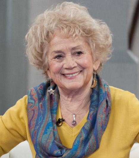 Margitai Ági (1937-2014)  A Kossuth- és Jászai Mari-díjas színésznő rövid, súlyos betegség után otthonában, szerettei körében hunyt el 2014. november 4-én. Az ötvenes évektől számos filmben szerepelt, de a fiatal rendező generáció tagjai is szívesen forgattak vele.  Kapcsolódó cikk: Családja körében érte a halál Margitai Ágit »