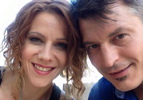 Húsz együtt töltött év és 15 esztendő házasság után Polyák Lilla és Homonnay Zsolt színészházaspár 2015. december 5-én a Facebookon tudatta, hogy elválnak. A színész ekkor már az Operettszínház egyik táncosnőjével alkotott egy párt.