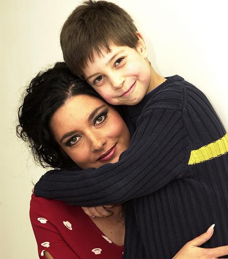 Gregor Bernadett  A kétgyerekes színésznő alakját bárki megirigyelheti. Bence fia 1994-ben született akkori férjétől, majd 2007-ben világra jött Álmos Attila, akinek Somogyi István az édesapja.