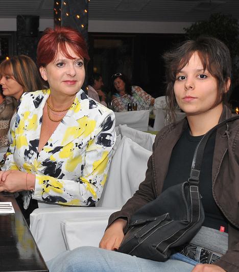Hernádi Judit  A Jászai- és Déri János-díjas művésznő1986-ban, harmincéves korában hozta világra lányát, Tarján Zsófia Rebekát. A fiatal nőnek saját zenekara van.