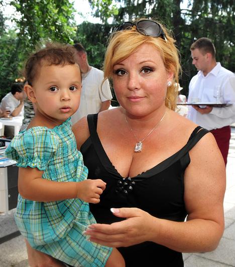 Liptai Claudia  A Szomszédok és a Jóban Rosszban sztárja 2006. július 16-án adott életet Panka Sára nevű kislányának, aki volt férjétől, Gesztesi Károlytól született.