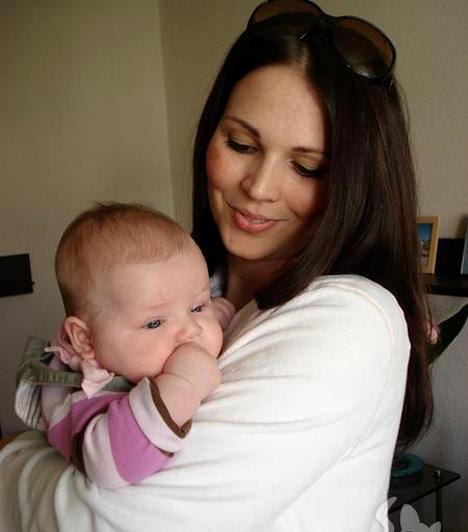 Palotás Petra  Palotás Petra 2006 őszén ismerte meg a német származású Mirko Reichet, három évvel később pedig megszületett első gyermekük, a tündéri Bora.