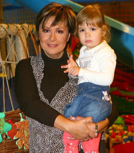 Szulák Andrea  A kiváló énekes- és színésznő 2007. április 26-án adott életet kislányának, aki a Rozina keresztnevet kapta édesanyjától és apukájától, Gyarmati Gábortól.