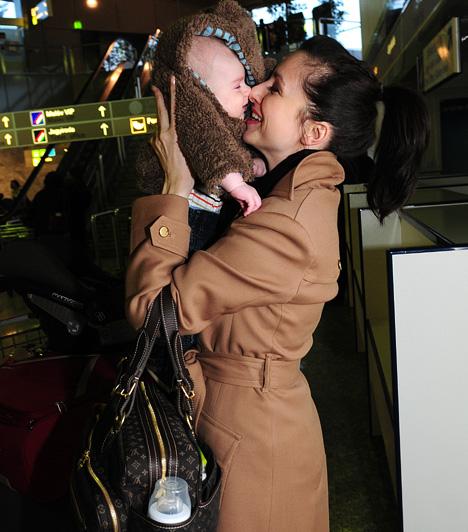 Zsédenyi Adrienn  Zséda 2000-ben ment férjhez dr. Takács Szabolcshoz, aki egy gyógyszerforgalmazó cégnél dolgozik tudományos munkatársként. 2007. szeptember 27-én született meg első gyermekük, Nimród.