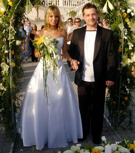 Ada és Timó  A Viva TV egykori álompárja, Pintér Adrienn és Bánszky László 2005 augusztusában álltak az oltár elé. Ikreik 2006 januárjában születtek meg, a házaspár pedig 2009-ben vált el, de azóta is jó viszonyban vannak.