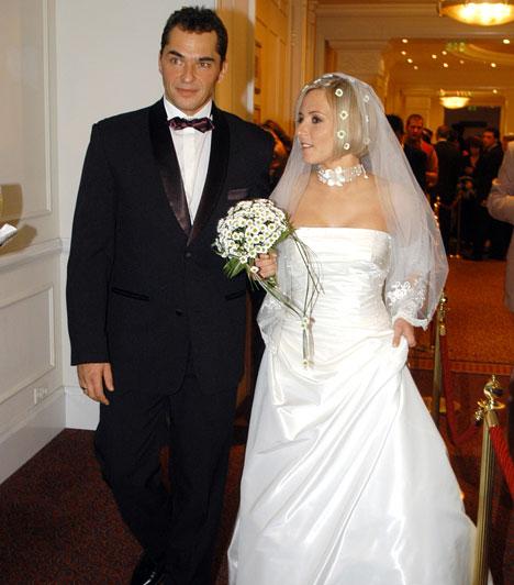 Marsi Anikó és Palik László  Az RTL Klub műsorvezetője 2005 októberében mondta ki a boldogító igent vőlegényének, Palik Lászlónak. Azóta két fiuk született: Vilmos 2006-ban, Vince pedig 2009-ben látta meg a napvilágot.  Kapcsolódó sztárlexikon: Ilyen volt, ilyen lett: Marsi Anikó »