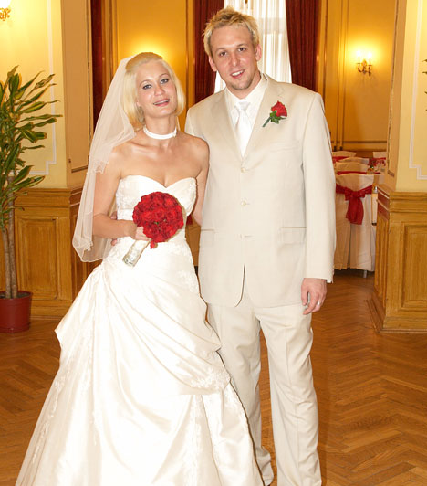 Tóth Szabolcs  A Sugarloaf együttes gitárosa, Tóth Szabolcs 2007 májusában mondta ki a boldogító igent szerelmének, Szántó Krisztina újságírónak.