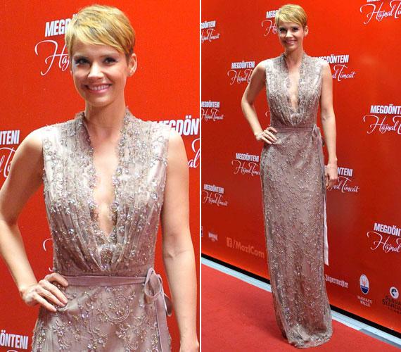 Osvárt Andrea a Megdönteni Hajnal Tímeát című vígjáték februári premierjén lépett a vörös szőnyegre ebben a csillogó Daalarna estélyiben.