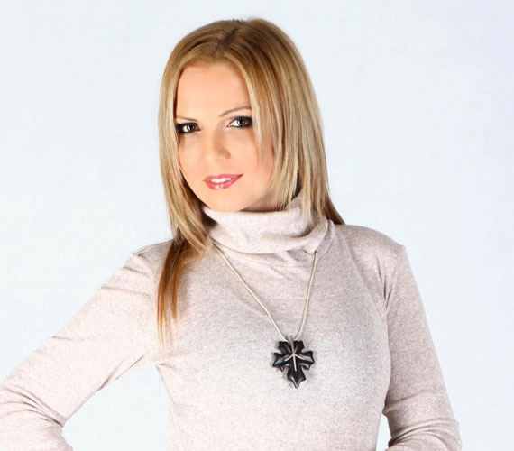 Talán már karácsonykor a karjában tarthatja kislányát a TV2 műsorvezetője, Vámos Erika, akinek kálváriája immár hét éve tart. Egyedülálló anyaként neveli majd gyermekét.